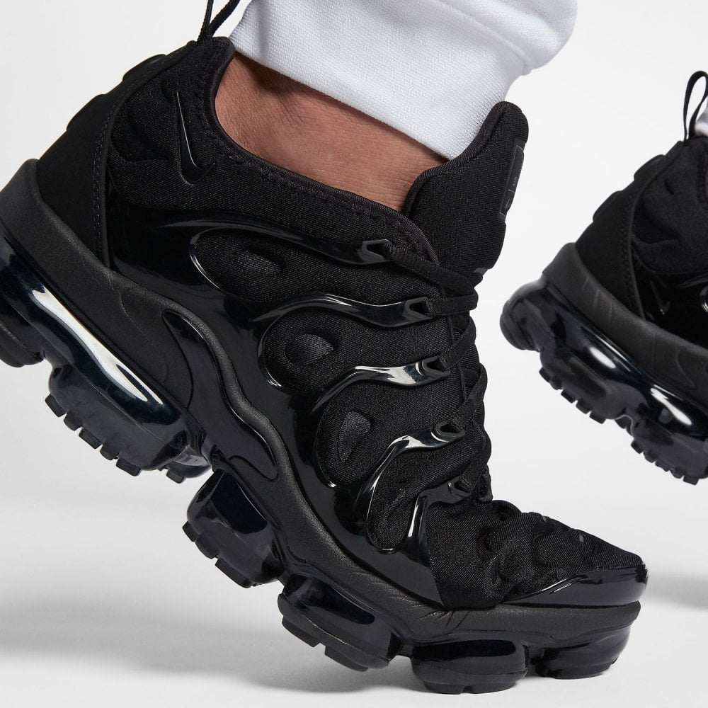 buy online e4e11 d8e9a Air VaporMax Plus 'Triple Black'