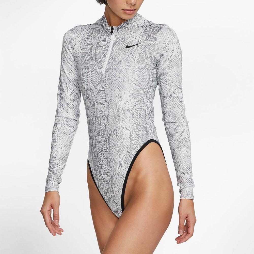 Impresionante Lujoso Imposible  Nike Women's Nike Sportswear Long-Sleeve Bodysuit - Python - Womens  Clothing from Cooshti.com